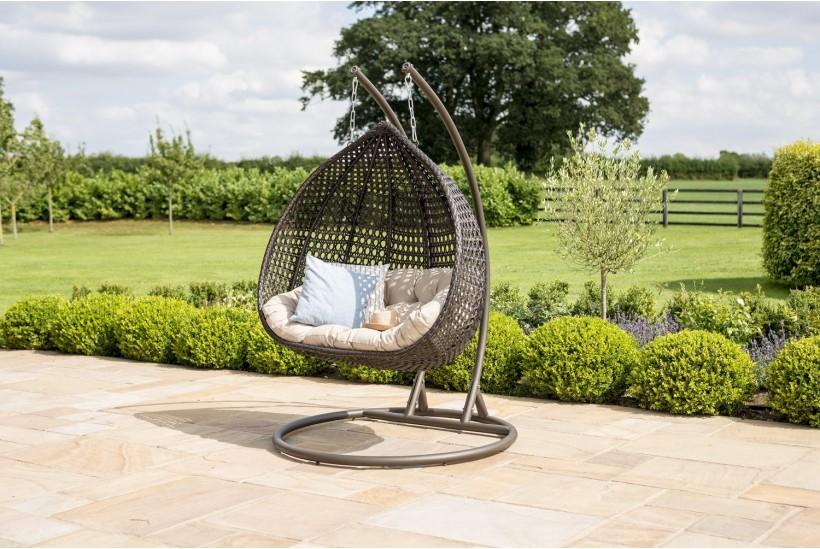 rose-garden-hanging-chair